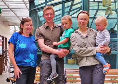 In Manila treffen wir Elena, Oliver, Jakob und Arthur auf Veloreise.