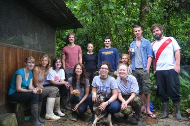 Voluntarios en Merazonía