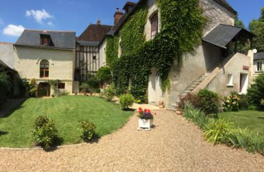 housing-loire-valley-b-and-b-vouvray-vineyard
