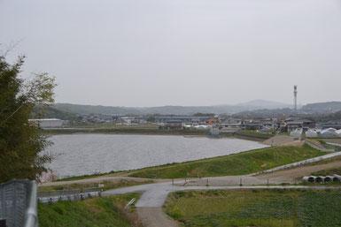 20130420大池の堰堤改修後貯水開始