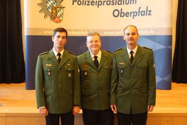 v.l.n.r.: PHK Vincent Bauer, Polizeipräsident Gerold Mahlmeister, POR Michael Danninger