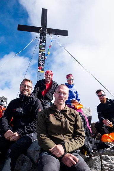 Gipfelfoto auf dem Wilden Freiger, mit zwei Kumpels, die wir zufällig hier oben antrafen.