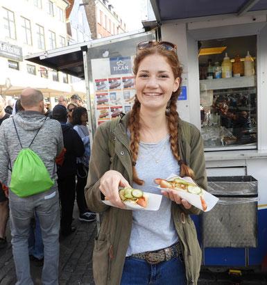 Jule mit den typisch dänischen Hotdogs