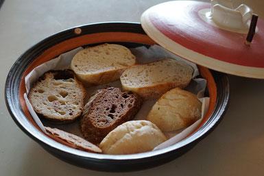 土鍋でトースト 仲本律子 土鍋作品 土鍋で美味しい料理 パン 耐熱 直火調理 茨城県笠間市 平土鍋