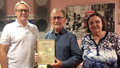 Die beiden neuen und alten TSG-Vorsitzenden Karlheinz Just und Marianne Ecker mit dem neuen Ehrenkassier Leander Dreher
