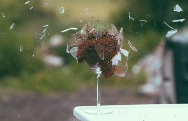 Explosion eines Glas'