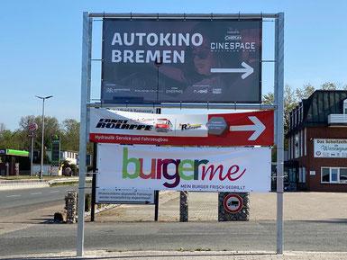 Autokino Bremen Werbeschild in Stuhr Brinkum an der BMÖ Tankstelle (April / Mai 2020)