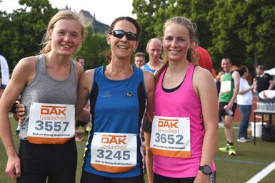 Die ersten Frauen 3557 Leoni Dörfel, Siegerin d. Rogosch, 3652 Johanna Raschke FOTO Schaake