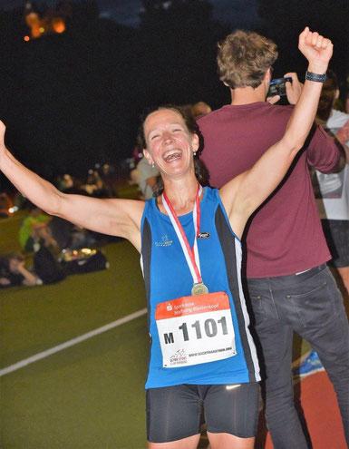 Dorothee Rogosch freut sich über ihren Sieg
