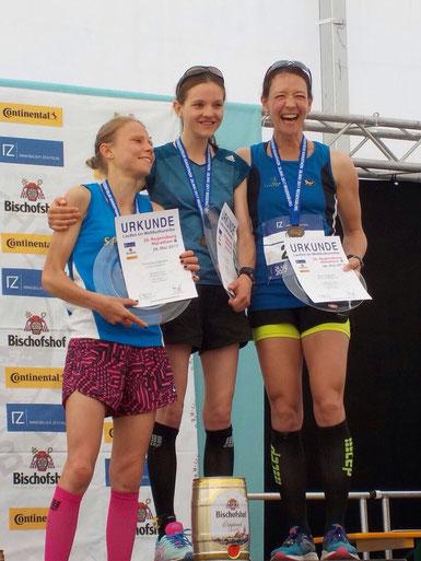 Siegerehrung Marathon, Dorothee Rogosch, 1 von rechts