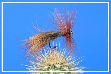 Fox Pillow Amo: # 10-12 Filo di montaggio: grigio Addome: pelo di volpe Ali: pelo di volpe Hackle: collo di gallo coachman brown