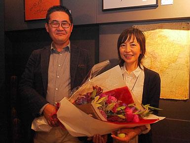 北海道大家塾50回記念のお祝いをしてもらった原田塾長夫婦