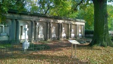 Die klassizistische Grabkolonnade in Kunersdorf (H. Drewing)