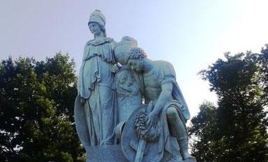 Das Prittwitz Denkmal im Schlosspark von Neuhardenberg