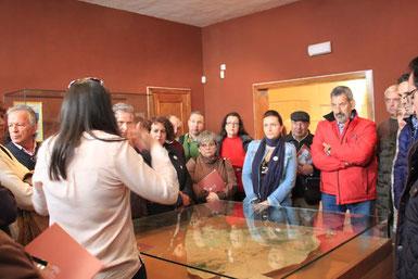 Miembros del Club visitando el Museo