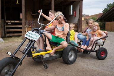 Im Eulennest gibt es Fahrzeuge vom Bobbycar bis zum Kettcar für Erwachsene!