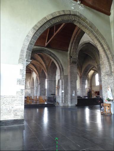 Doornik - Sint-Brixiuskerk - de groene energielijn kan goed een deel zijn van dezelfde energielijn als de blauwe Sint-Catharinalijn van de Onze-Lieve-Vrouwekathedraal!