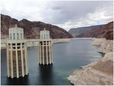 Wassereinlauftürme am Hoover Dam