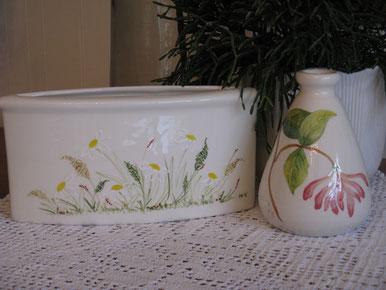 Vasen: Blumenwiese und Chèvrefeuille