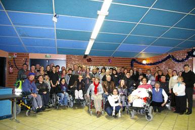 Une réunion de Noël organisée par l'association La Myopathie A Tout Cœur à Unieux