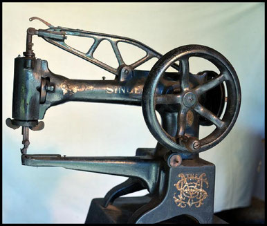 Singer Bootmaker's Sewing Machine - Museums Victoria Collections