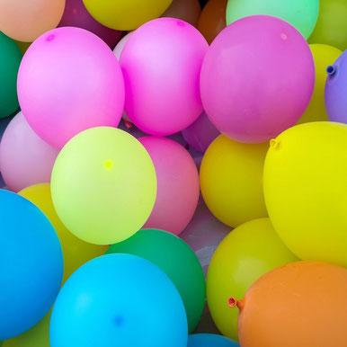 Ballons colorés pour faire la fête