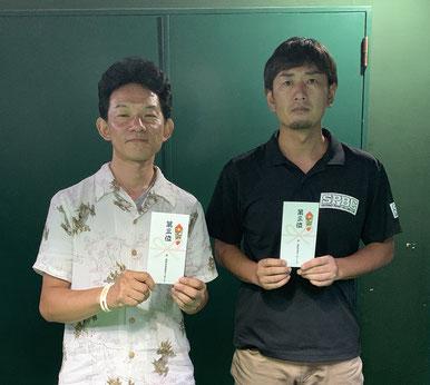 3位タイ。左:山口、右:秋本