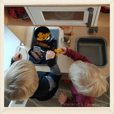 Passend zu den Nudeln aus Filz, die wir schon vor einiger Zeit gebastelt haben, gab es nun auch noch Würstchen aus Filz #leckerschmecker - auch hier geht es mit 'klick' auf das Bild zum Blogbeitrag.