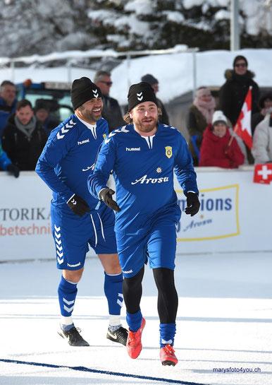 Uli Forte, Fussballtrainer & Baschi, schweizer Popsänger