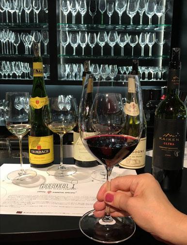 赤ワイン(カベルネ・メルロー用)の大きなグラス