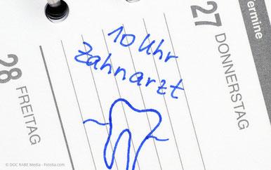 Auf Wunsch erinnern wir Sie an Ihre Zahnarzttermine.