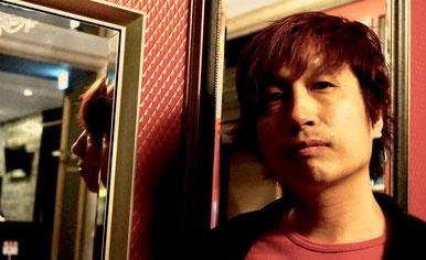 谷山健太郎:東京出身。