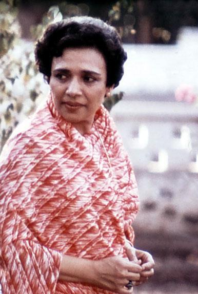 Arnavaz Dadachanji in India - cropped image. Photo courtesy of Glenn & Laurel Magrini.