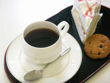 ケーキ・コーヒー2