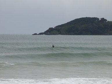 着替えは寒かったですが、海は温かかった