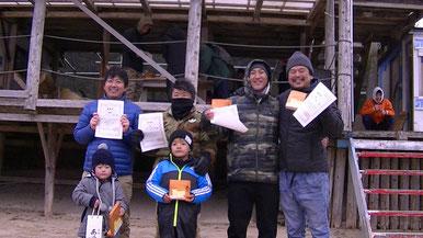 LGMクラス 優勝 809(写真左)2位 佐々木信一郎(写真左から2番目) 3位 堂園康弘(写真右から2番目)