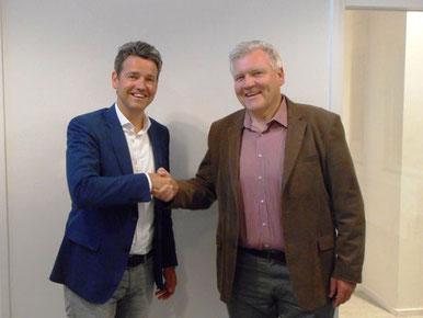 Lucien Peeters (links) en voorzitter van de Raad van Toezicht, Charles Lohnstein