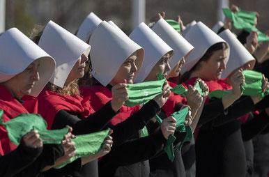 Protest mod den reaktionære del af katolikkerne