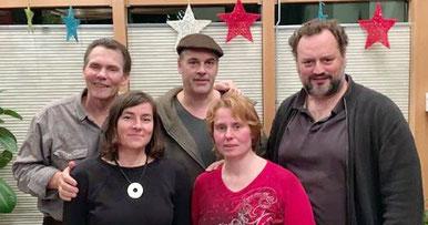"""Die Hamburger Autoren Christoph Ernst, Olaf Wulf, Markus Friderici, Irina Tegen, und Dagmar Möhring (von li. oben). Foto: """"Blut und Feder"""""""
