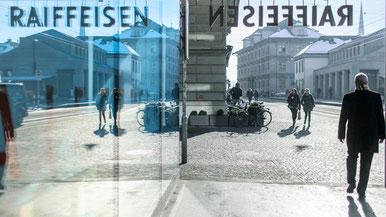Die Raiffeisenbanken müssen höhere Anforderungen erfüllen. Im Bild: Die Raiffeisenabank am Limmatquai in Zürich.