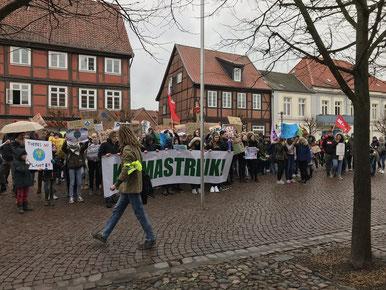 Abschlusskundgebung vor dem Rathaus        Foto: Kristoph-Felix Piepke