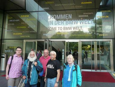 Eingangstür zur BMW Welt
