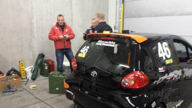 De Toyota van Sybren word al voorzichtig wat aangepast