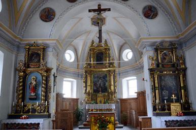 Innenansicht Pfarrkirche Dardin Capre