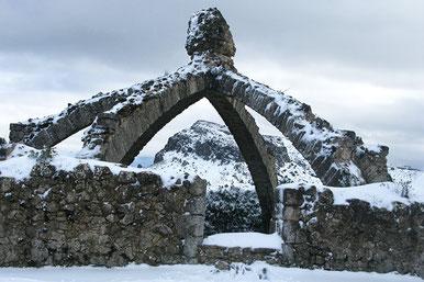 Cavas, pozos de nieve y ventisqueros de la Serra Mariola
