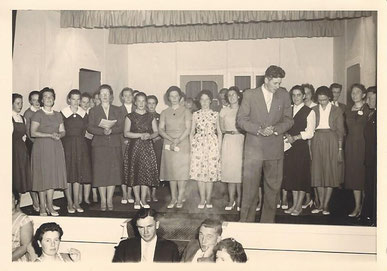 1961 het koor zingt op de bruiloft van Jan en Gerda Hendriksen