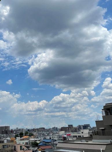 7月23日、ブルーインパルス飛行(どこにいるか見つけてください)