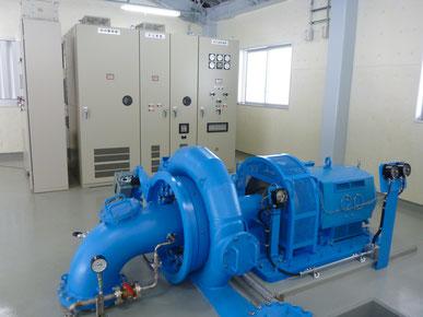 小水力発電機の写真