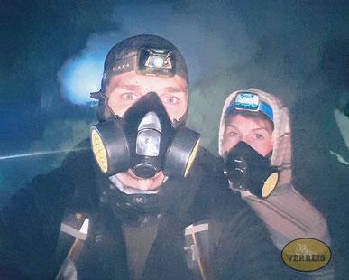 Gasmaske als Schutz vor dem Schwefel vom Ijen