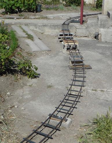 Abbildung 2:  Strecke über dem Boden in Bau